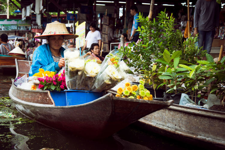 Floating Market Thailand Flowers Boat Woman Working Paddling Traditional Market Crowded