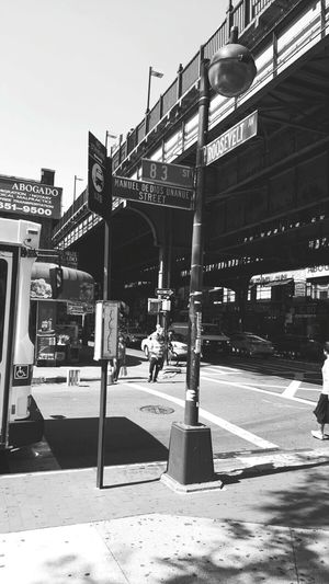 Manueldediosstreet Streetphotography Street New York City Sunday Blackandwhite Blackandwhite Photography Classic Life In City Avenue Thebigapple
