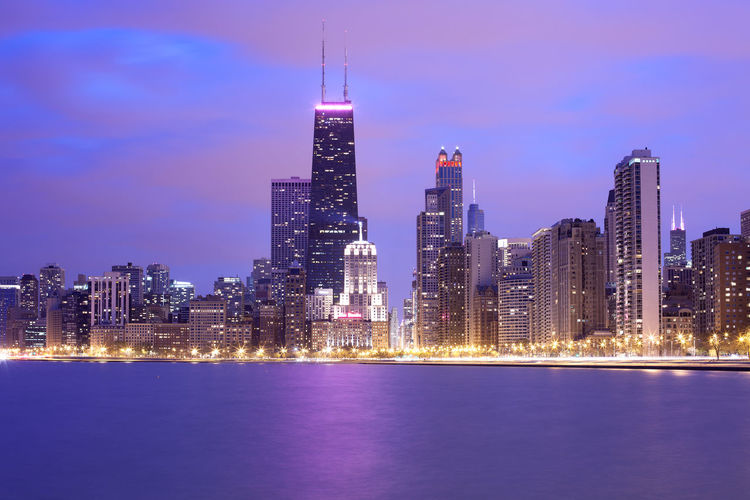Skyline of downtown chicago at duskin the waterfront of lake michigan, illinois, united states