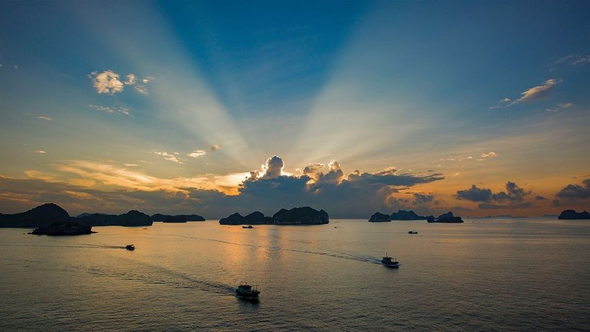 Sky Sunset Cloud - Sky Beauty In Nature Nature Water Sea Scenics Tranquility Nautical Vessel Transportation Outdoors No People Day 好心情(1)