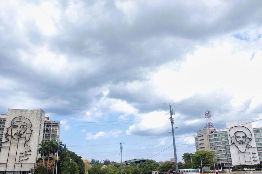 Cloudy Days Cuba Clouds Che Guevara Architecture