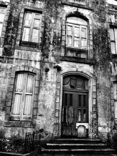 Abandoned Buildings Black And White Black And White Collection  Black And White Photography Blackandwhite Blackandwhite Photography Door Entrance Entranceway Harrypotter Portugal Portugal_em_fotos Portugaloteuolhar Sintra Sintra (Portugal) Sintraportugal Spooky Atmosphere Tourism