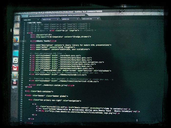 Adoro esto UbuntuTouch en el CPCO6 Con Html5 y CSS3