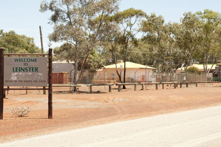 Leinster Village Sign - Australia Australia Outback Leinster Tree Village
