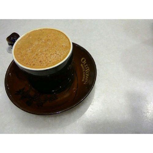 Kehidupan ini ibarat secawan kopi. Ada pahitnya, ada manisnya, ada panasnya, ada sejuknya namun campuran semuanya menghasilkan satu rasa yang enak dinikmati.... Begitu juga dengan kehidupan.. Kekadang ada pahitnya, ada manisnya, ada sukanya, ada dukanya, namun kesemua ini adalah satu pengalaman dalam membentuk diri kita menjadi hamba yang disayangi dan diredhai Allah.. InsyaAllah, saya doakan anda semua berjaya dalam apa jua yang diceburi. OldTownWhiteCoffee iniepiloginsan.blogspot.com
