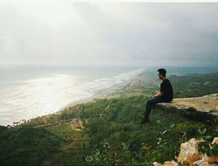 Enjoying Life Wonderful Yogyakarta Relaxing That's Me Paralayang Parangtritis Wonderful Indonesia