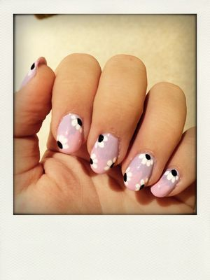 Nails (null)