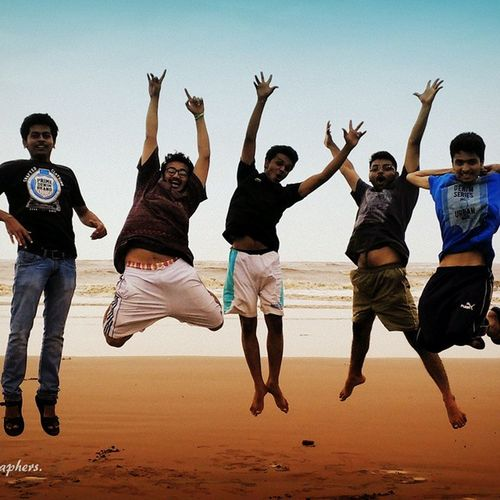 Beach Friends Jump Thephotographers .