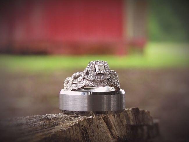 Focus On Foreground Close-up Vintagecountrywedding I Said Yes ♡  Kayjeweler Diamonds Ourrings Goingtomarrymybestfriend Weddingrings Nature