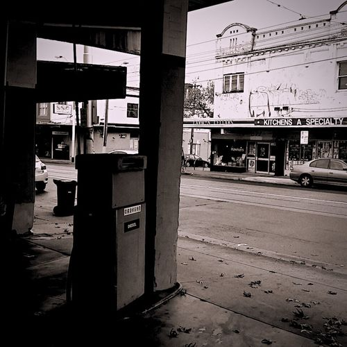 Old School Thornbury Northernsuburbs Northern Subs Melbourne Streetphotography Streetphoto_bw Street Blackandwhite Monochrome Black & White