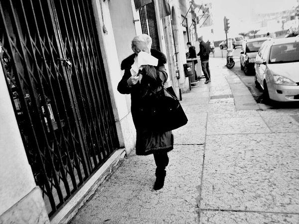 Streetphotography Blackandwhite Streetphoto Streetphoto_bw Verona Very Italian People
