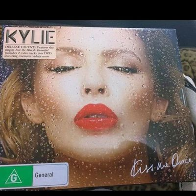 Kissmeonce KylieMinogue KM2014