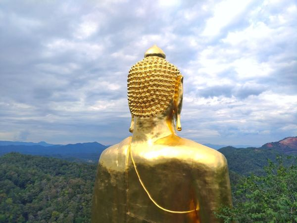 Big Buddha statue in forest Buddha Statue EyeEm Gallery Tree Color Sky EyeEm Nature Lover Nature Nature Photography Green EyeEmNewHere EyeEmBestPics Eye4photography  EyeEm Green Color Sky And Clouds Buddha Head Buddha EyeEm Best Shots - Nature