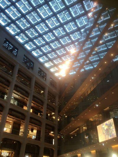 Tokyo Japan 丸の内 The Big City Hello World Light And Shadow