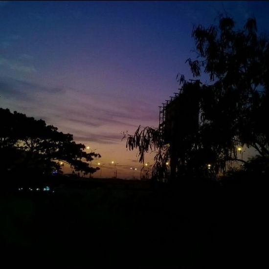 +_+ never seen such thing in a Chennai Lumia Gradient Skyporn Silhouette Shades Shadows Urbanporn Tambaram Chennai Indiagram Lategram Sunset Sky Nofilter Carlzeisslens Lumiacamera