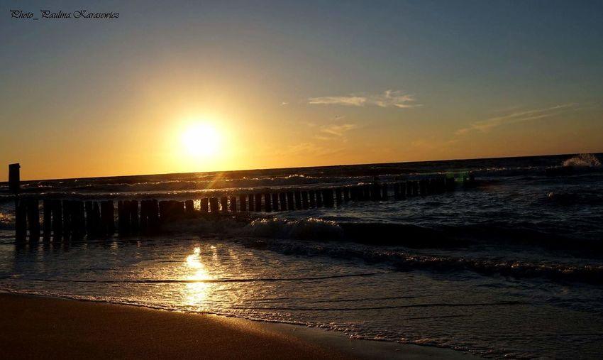 Polska Poland Water Morze Bałtyckie Mielno Plaża Polska Woda Fale Słońce Morze 🌞🌊 Beauty In Nature Zachód Słońca Nature Beach Niebo Plaza