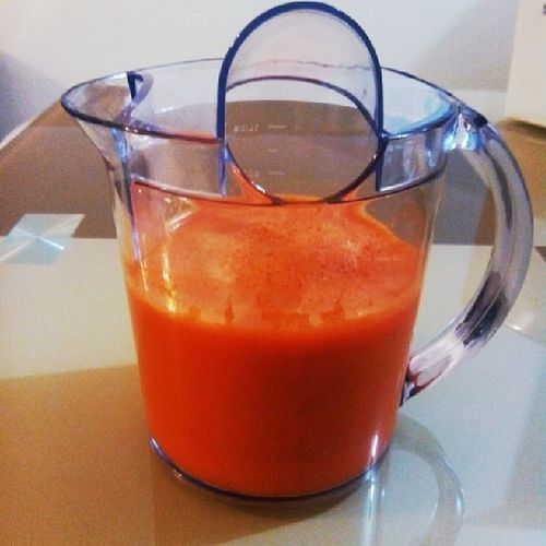 Having my homemade organic carrot, grapes and kale fresh pure juice. :) Healthydrink Juicing Detox