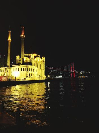 Architecture The Great Outdoors - 2017 EyeEm Awards Built Structure Building Exterior Night Travel Destinations Illuminated Waterfront River Travel Tourism Outdoors Dome Sky No People Chain Bridge Istanbul Ortaköy Ortaköycamii Ortaköy Mosque 15temmuzşehitlerköprüsü First Eyeem Photo City Sea Iphone6s Photography