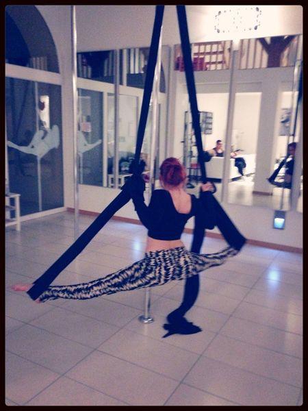 Contortion Pole Dancing Pin Up Studio