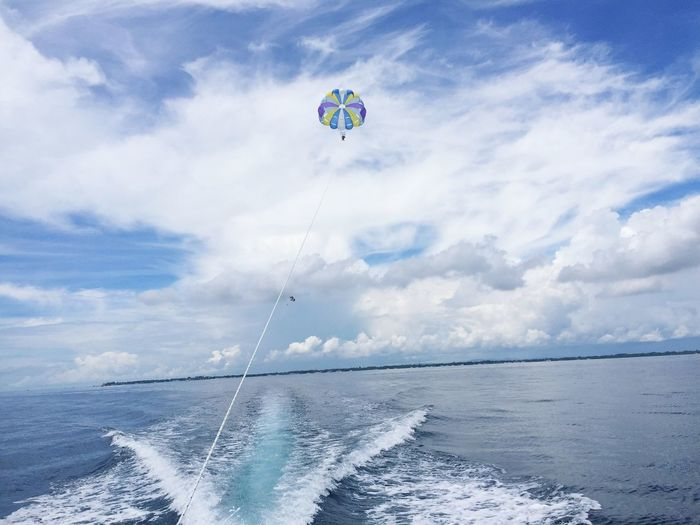 Been There. One of the beautiful spot in cebu philippines. Parasailing is a kinda feels like heaven to me!😊 Sea Horizon Over Water Cloud - Sky Beauty In Nature Motion Adventure Outdoors Extreme Sports Wave Bluesky Vacationwithmyhubby