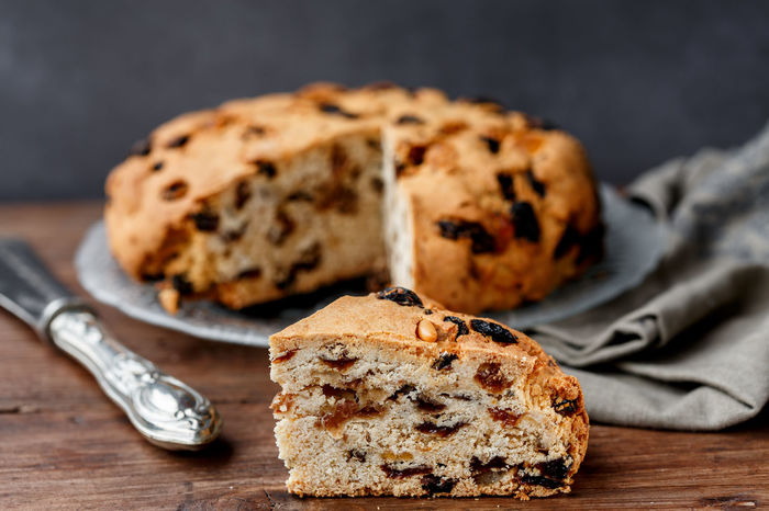 pandolce genovese (sweet bread) Christmas Cake Genoa-Italy Baked Bread Food Food And Drink Fruit Cake  Genova ♥ Italian Food Loaf Of Bread Pandolce Raisin Ready-to-eat Sweet Bread Sweet Food Table
