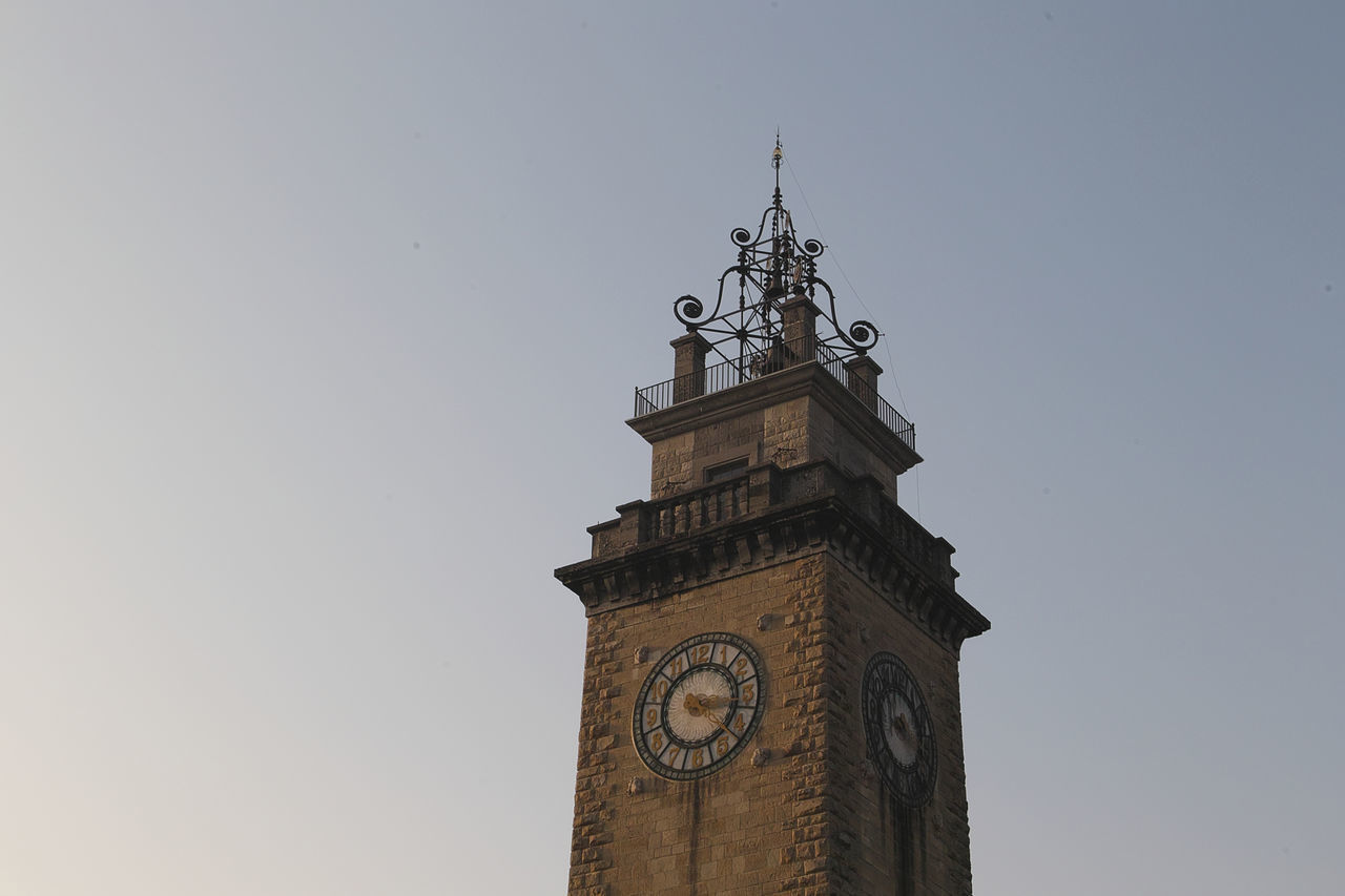 LOW ANGLE VIEW OF CLOCK TOWER
