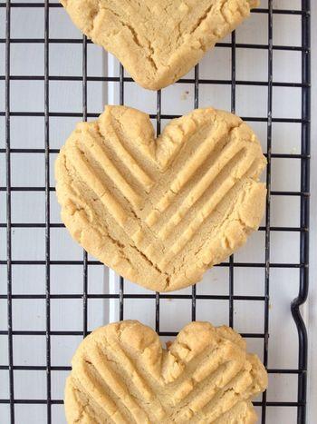 Heart shaped peanut butter cookies Desserts Dessert Cookies Peanutbutter Heart Heartshape