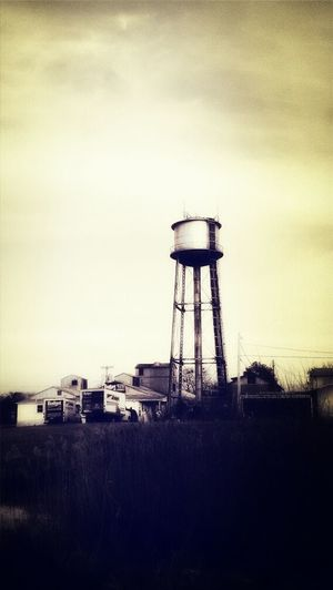 Be alive. No matter how outdated you may be. Architecture Delaware Derelict Vintage Historical Building Building Derelict Urban Decay Water Tower Beauty Of Decay Warehouse Abandoned & Derelict Delaware Riverwalk