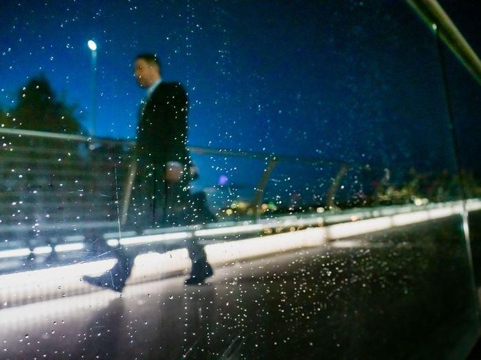 Damp night -