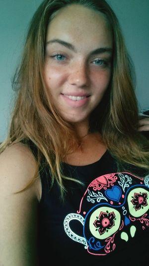 Hello World Thats Me  Selfie ✌ Smile Girl When You Smile I Smile :) Dutchie No Makeup Dont Take Life So Serious