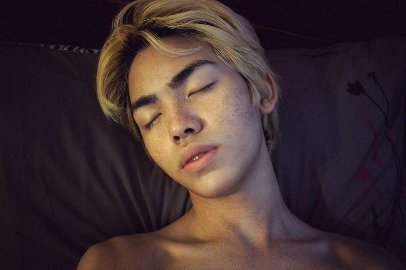 Asian  Selfie ✌ ınstagram Cute Freckles Beauty LBGT One Person Young Adult Guy Gaymen Gay Selfie Headshot Haircolor Blonde Sexyboy Selfiecute