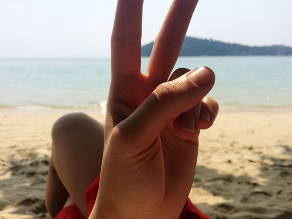Adventure Buddies Beach Sea Traveling Peace Close-up Closeup Hand Q Von Audi Spotted In Thailand Koh Chang The KIOMI Collection The Secret Spaces Be. Ready. Summer Exploratorium