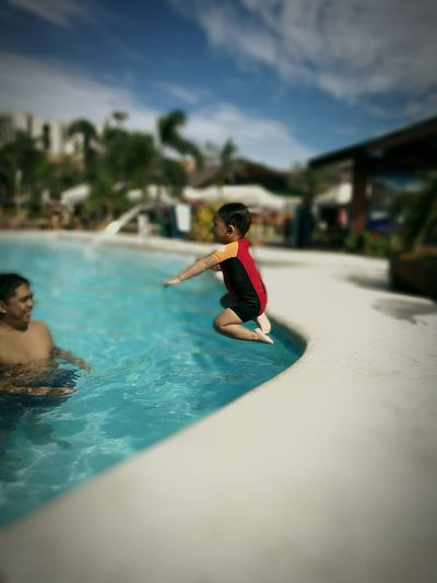 Jump Kiddiepool Swimming Pool Child Candid Photography Swimming Vacations