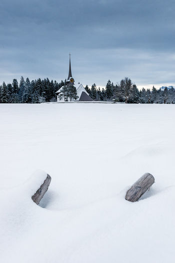 church of Würzbrunnen in snow Church Emmental Field Frozen Snow ❄ Winter Beauty In Nature Cold Cold Days Cold Temperature Day Myswitzerland Nature No People Outdoors Sky Snow Switzerland Tree Winter Winterwonderland Würzbrunnen