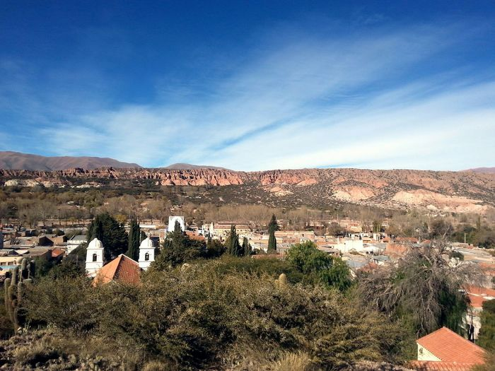 Wonderful times with friends Traveling With Friends Humahuaca Argentina Landscape_photography Landscape Roadtrip Urban Landscape Mountain View Red