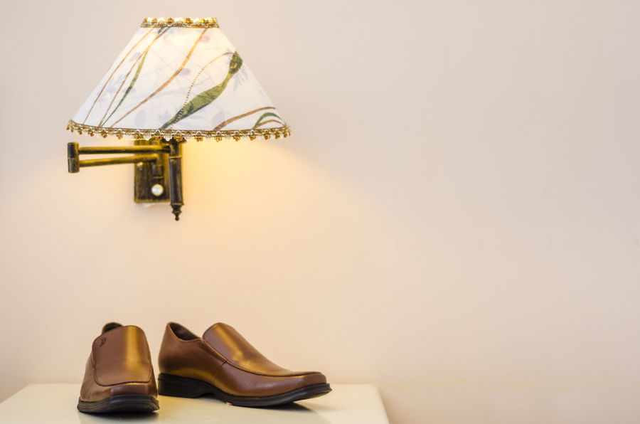Close-up Details Dress Fashion Footwears Lamp Light Objects Shoes Still Life Wedding Leiblingsteil