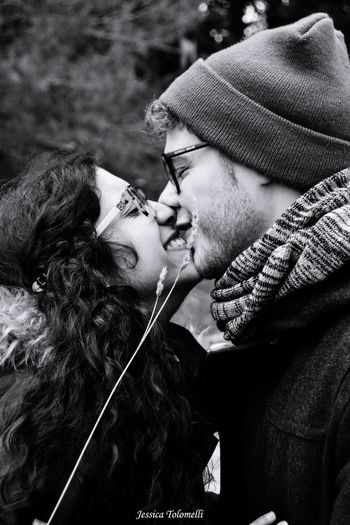 Kiss Young Women Warm Clothing Togetherness Men Couple - Relationship Young Men Love Young Couple Bonding Heterosexual Couple Falling In Love Smoking Friend Cigarette  Romantic Activity Date Night - Romance Unhealthy Living Cigarette Butt Addiction Ashtray  No Smoking Sign Cigarette Lighter Marijuana - Herbal Cannabis Marijuana Joint Smoking - Activity Tobacco Product Romance Bad Habit Addict Kissing