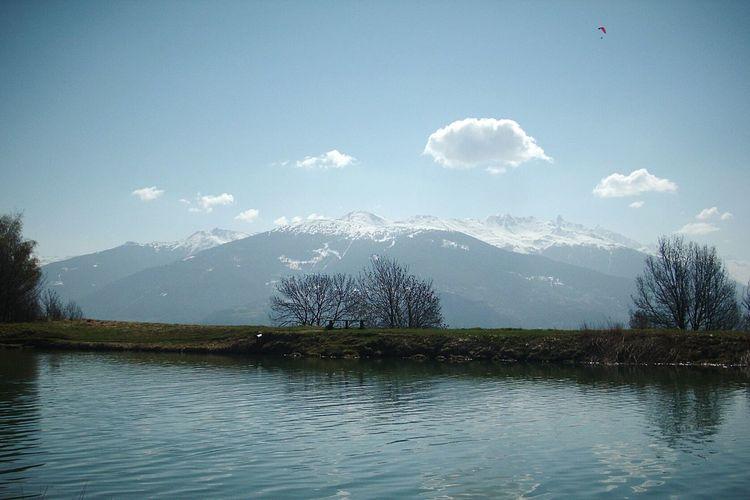 Adrenaline Junkie Paracadutismo Mountain View Pure Water Suisse