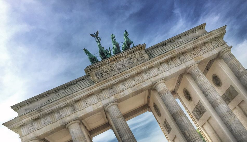 Capture Berlin Low Angle View Architecture Built Structure Sky Travel Destinations Building Exterior Architectural Column City Tourism Outdoors City Gate History Cloud - Sky No People Sculpture Statue Day Triumphal Arch Brandenburger Tor Quadriga Sonne Landmark Berlin Wahrzeichen #FREIHEITBERLIN