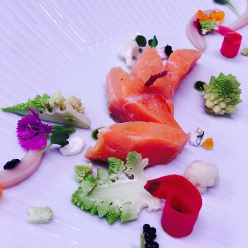 Saumon fumé mariné et petits légumes en pickles/Salmon smoked marine and small vegetable pickles Gastronomy Culinary Food First Eyeem Photo