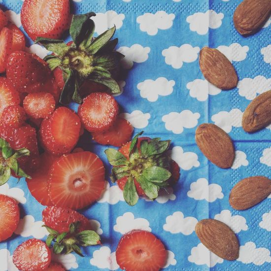 Breakfast ♥ Strawberry Almond Clouds And Sky Foodstyling Healthy Healthy Eating Detox My Favorite Breakfast Moment
