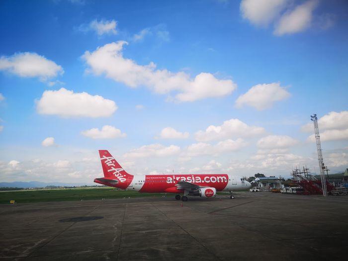 Airplane Flying Air Vehicle Airport Aerospace Industry Sky Cloud - Sky