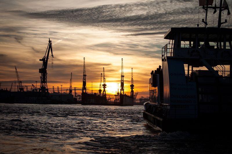 Hamburger Hafen Sunset Hamburg Enjoying Life