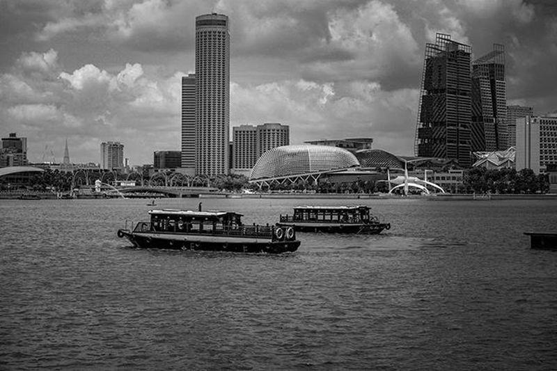 Singapore River Cruise Blackandwhitephoto Lightroom Singapore Sginstagram Mbs Sonyrx100iv Boats