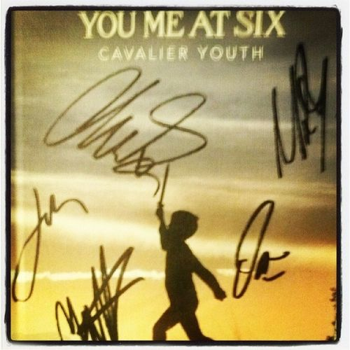 Eeeeeekk! Just went to meet you me at six at their Signing in Cardiffs Hmv Happy naynay! :D and thank you to the bouncer for letting me in after they stopped letting people in:D