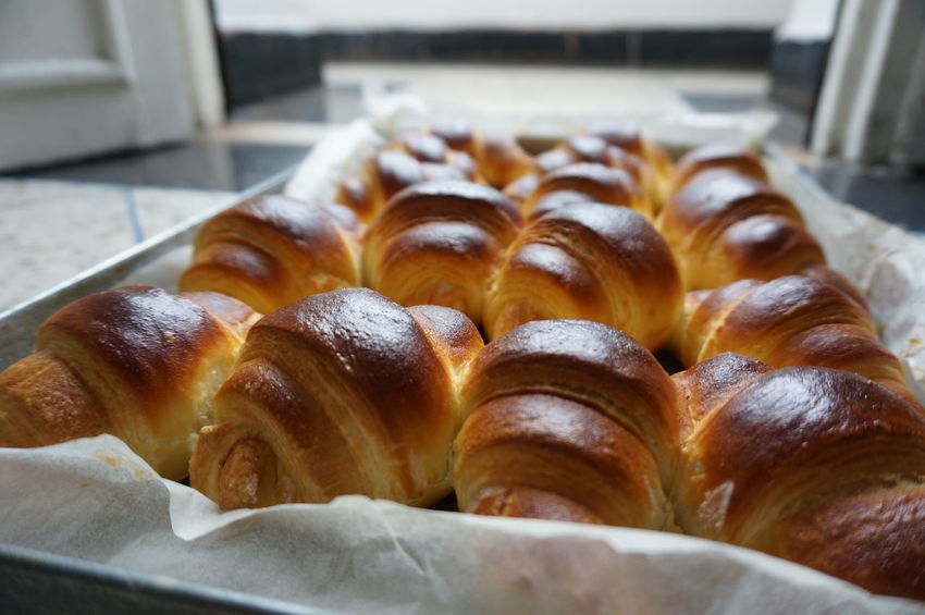 Croissant French Food Food Food And Drink Bakery Breakfast Baked Pastry Item Sweet Food Freshness Viennoiserie Pastry Crescent French Bakery  Pain Au Chocolat Kipferl Delicious Chocolate Cornetto Merienda Cuerno Bun In The Kitchen Tradition Gourmet Puff Pastry