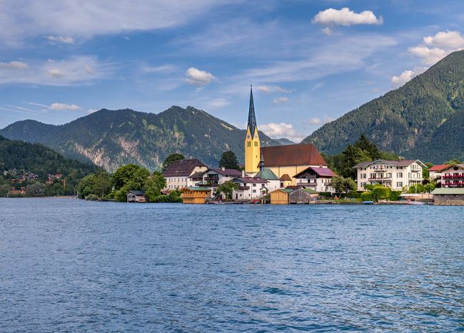 Parish Church of St. Lawrence in front of Bodenschneid, Stuempfling and Wallberg mountains, lake Tegernsee, Egern, Rottach-Egern, Upper Bavaria, Bavaria, Germany, Europe Bayern Upper Bavaria Tegernsee Rottach-Egern Bavaria Germany🇩🇪 Oberbayern Deutschland Kirche Building Exterior Cloud - Sky Day Mountain Mountain Range Nature No People Outdoors Religion Scenics Sea Sky Spirituality Water Waterfront