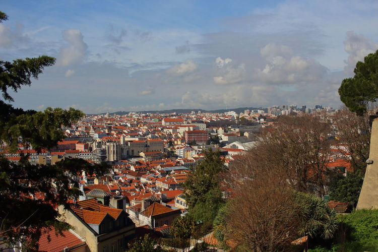 EyeEm City Lover Lissabon, Portugal Lisbon - Portugal Lisboa Portugal Castelo De São Jorge Architecture Building Exterior Tree City Built Structure Building Residential District Plant Sky Town Cloud - Sky High Angle View No People Roof Day Cityscape House Outdoors