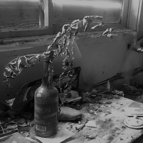 Abandoned House Abandoned Places EyeEm_abandonment Urban Exploration Abandoned Abandoned Buildings Blackandwhite Bnw Damaged Dead Flowers Destruction Indoors  Messy Monochrome No People