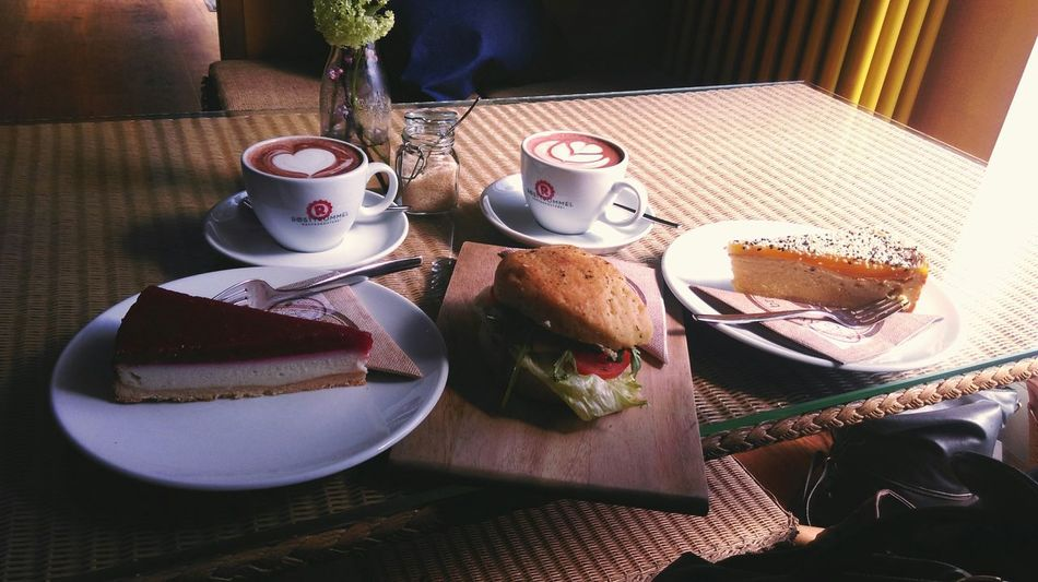 Coffee Time Kuchen Yummy Eating With Friends